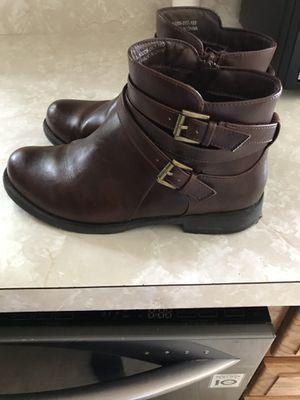 Women boot size 8 for Sale in Bridgeport, CT
