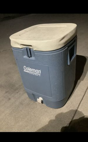 Coleman drinking water 10 gallon capacity can also be use as a cooler $25 for Sale in South Gate, CA