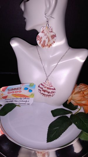 The Seashells By The Seashore Jewelry Set! for Sale in Baton Rouge, LA
