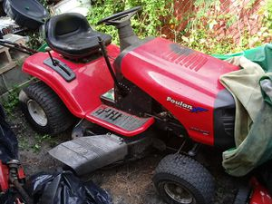 Tractor poulan for Sale in TWN N CNTRY, FL