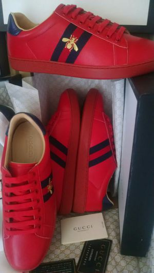 Size 10 Red Gucci for Sale in Revere, MA