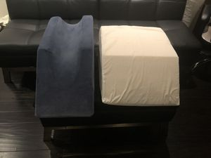 Two Leg Raising Pillows for Sale in Los Angeles, CA