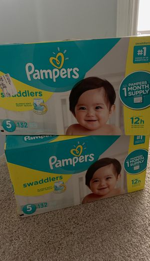 Pampers Swaddlers Size 5 for Sale in White Plains, MD
