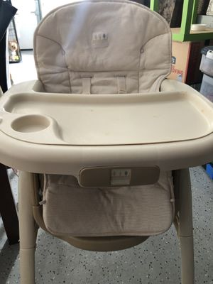 Chair baby for Sale in East Hartford, CT