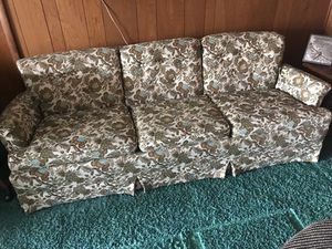 Vintage Sofa for Sale in Syracuse, IN