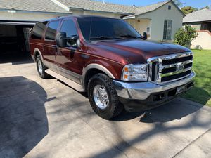 2000 ford excursion v10 low miles 99k miles for Sale in Bell Gardens, CA