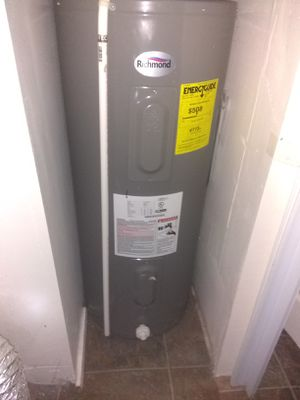 40 gallon electric hot water heater for Sale in Indianapolis, IN