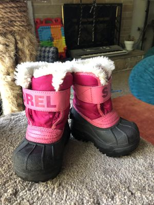 Sorel snow boots and rain boots for Sale in Puyallup, WA