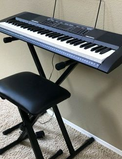 keyboard piano with stand, mic, headphones for Sale in Miami,  FL