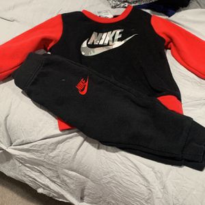 Nike Set for Sale in La Vergne, TN
