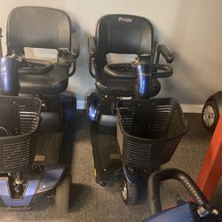 Mobility scooter gogo three wheel comes with charger detachable basket batteries key message me for Sale in Belle Isle,  FL