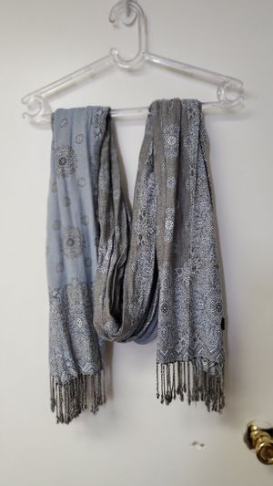 Scarves very good condition for Sale in Valley Stream, NY