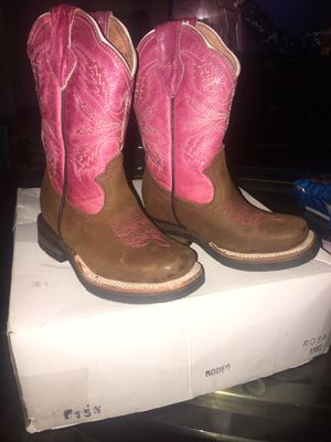 Girl boots size 5 1/2 for Sale in Memphis, TN