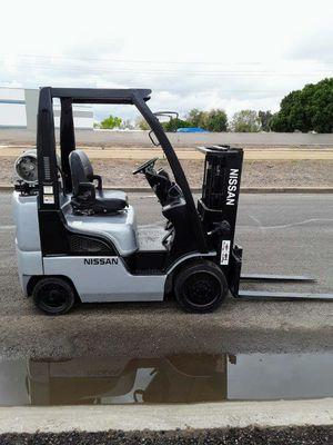 2012 Nissan 4000lb Forklift for Sale in Phoenix, AZ