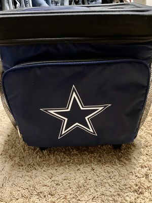 Brand new rolling Dallas Cowboys cooler 25 quarts for Sale in Cedar Park, TX