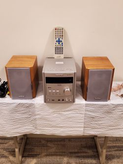 MINI DVD COMPONENT SYSTEM with Speakers & Remote - Plays DVD, CD, MP3, CD-R, CD-RW, and has an AM/FM Tuner - firm price. for Sale in Arlington,  VA