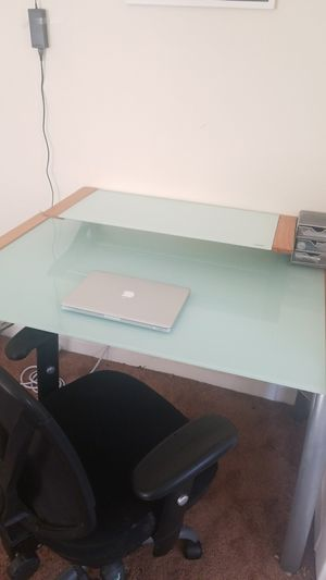 Modern Desk and Chair Set for Sale in Los Angeles, CA