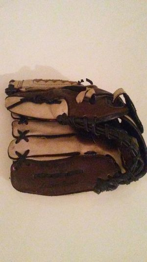 "Rawlings 10 1/2"" PM709RPU PlayMakers youth baseball glove, left-hand for Sale in Westerville, OH"