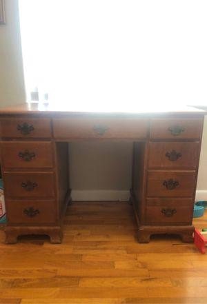 Desk for Sale in Mount Pleasant, MI
