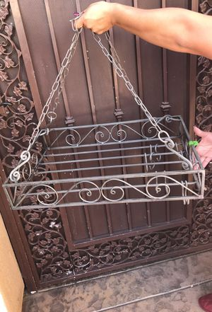 Hangs on top of kitchen island for Sale in San Jacinto, CA