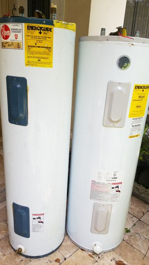 One rheem water heater good conficio40 gal and one 50gal ge working good shape both very good for Sale in Hollywood, FL
