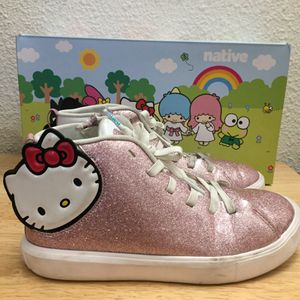 Native x Hello Kitty pink glittery shoes sneakers 👟 size 3 for Sale in Torrance, CA