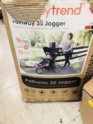 Babytrend jogging stroller w/ car seat for Sale in Las Vegas, NV