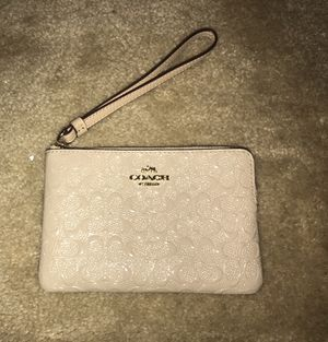 Authentic coach wristlet for Sale in Takoma Park, MD