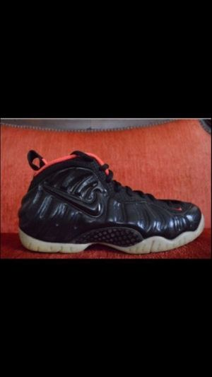 Nike Foamposite Yeezy Size 8 new never worn for Sale in Bronx, NY
