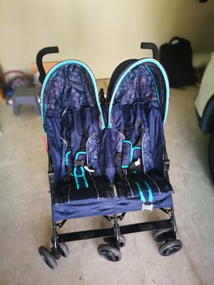 Double stroller for Sale in Cameron, NC