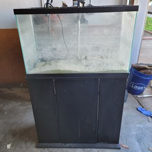 30 Gallon Glass Tank With Lid And Stand for Sale in Burlingame, CA