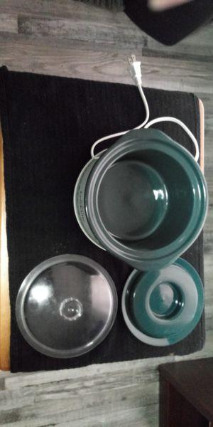 1 Qt Crock Pot (MEET AT 1309 N MERIDIAN) for Sale in Oklahoma City, OK