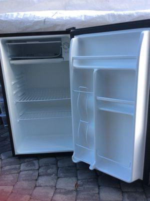 Mini refrigerator for Sale in Adelphi, MD