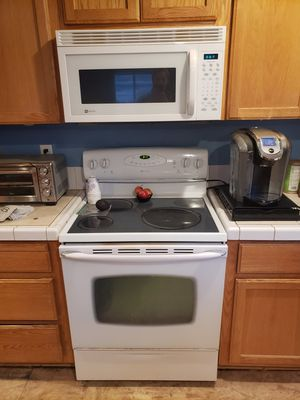 Match oven and microwave for Sale in Battle Ground, WA