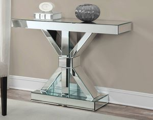CLEAR MIRROR CONSOLE TABLE for Sale in Medley, FL