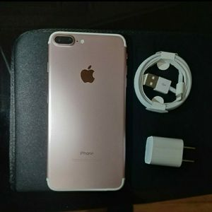 iPhone 7 plus AT&T 32gb for Sale in Falls Church, VA