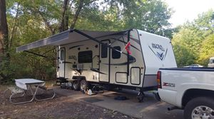 2017 Flagstaff by Forest River micro lite travel trailer for Sale in Delaware, OH