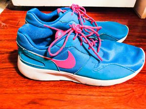 Women's Nike shoes 7 1/2-8 for Sale in Annandale, VA