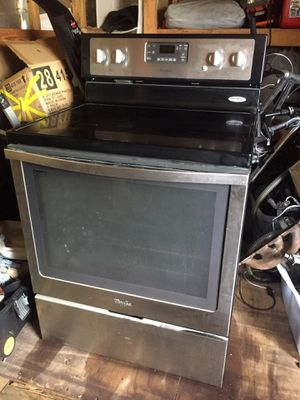 Whirlpool stainless steel oven stove for Sale in Pompano Beach, FL