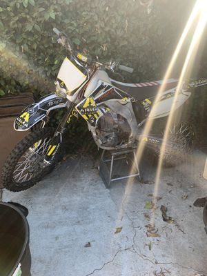 2004 CRF-450R Honda dirt bike *GREEN STICKER* for Sale in Windsor Hills, CA