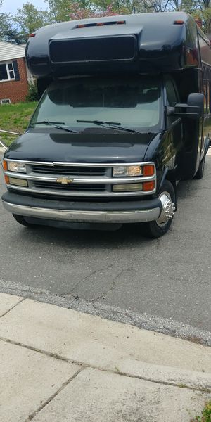 2000 Chevrolet Express 3500 for Sale in Fort Washington, MD