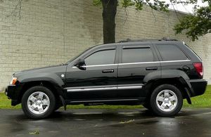 2008 Jeep Grand Cherokee Serious/Buyers for Sale in Des Moines, IA