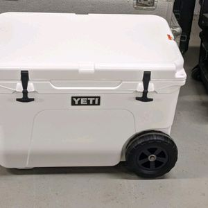 Yeti Cooler With Wheels for Sale in Culpeper, VA