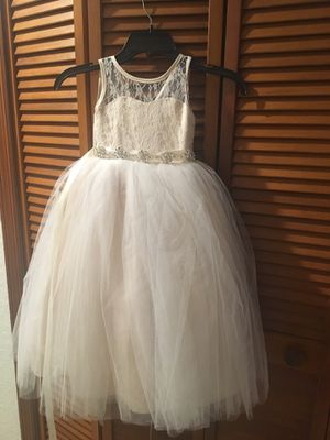 Flower girl dress 2/3T for Sale in Miami, FL