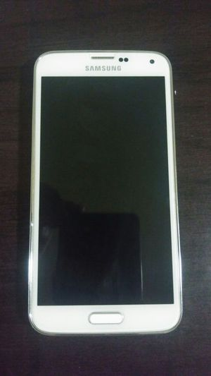 Samsung galaxy s5 for Sale in Reedley, CA