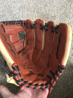 Wilson baseball glove for Sale in San Diego, CA