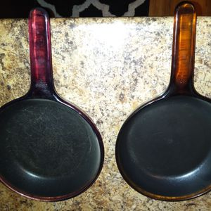 2 different corning vision 7 inch. Non stick skillets 8.00 each for Sale in Columbus, OH