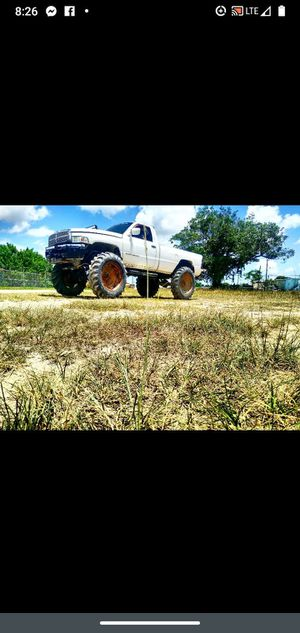 Mud truck Dodge Ram 2500 ,,,o.b.o,,,, for Sale in Homestead, FL