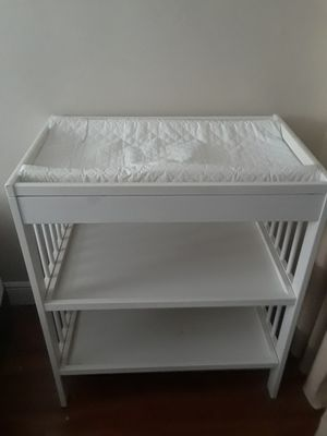 White Baby Changing Table for Sale in Oakland Park, FL