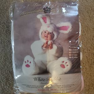 Cute baby bunny Costume for Sale in Highland, CA